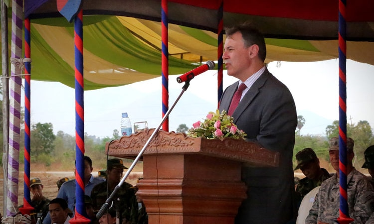 Ambassador Heidt at the Closing Ceremony for the Angkor Sentinel Exercise