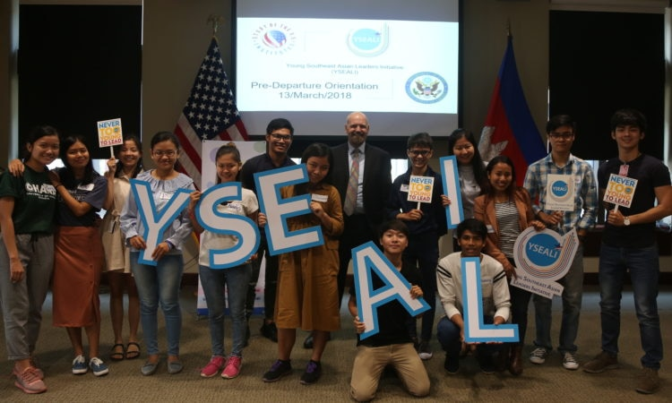 Alumni of YSEALI Academic Fellowships pose for a photo with Public Affairs Officer Arend Zwartjez. [U.S. Embassy photo by Sarim Mardi]